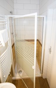 Dusche Hotel Zimmer buchen Berghotel