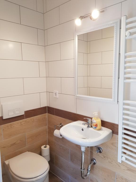 Vierbettzimmer Badewanne Apartment Bad Oeynhausen